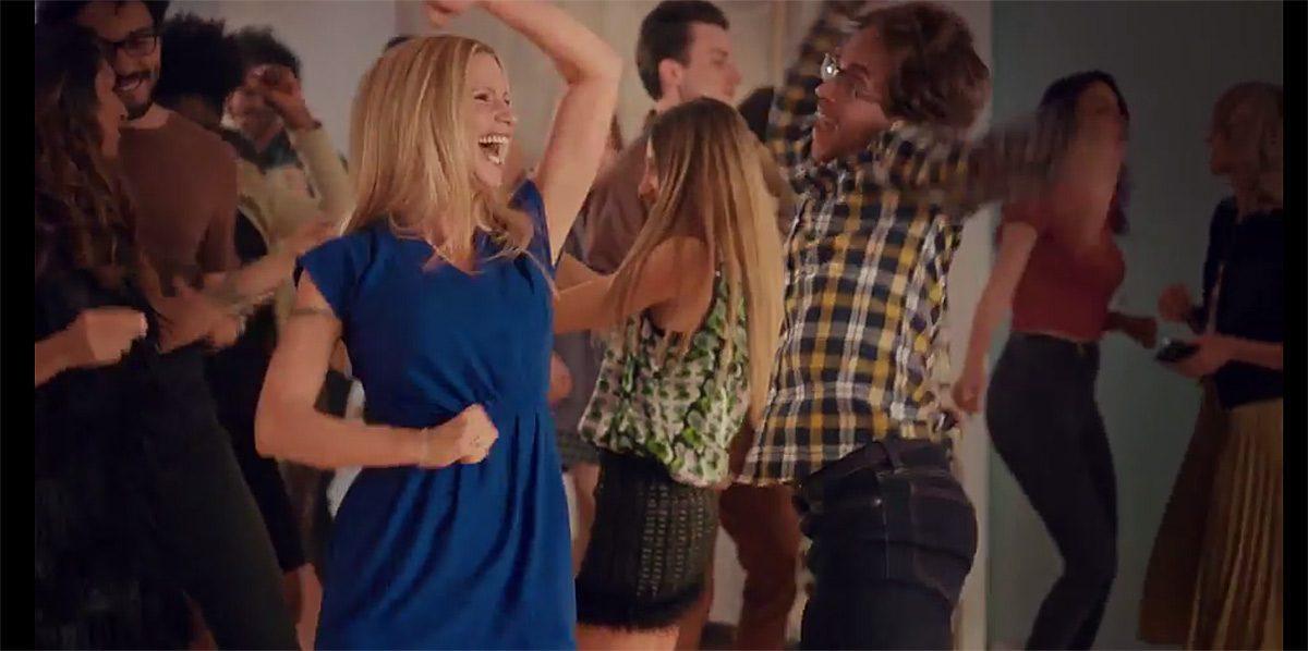 Michelle Hunziker se donne en spectacle dans une vidéo d'UPC.