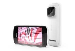 Le Nokia 808 équipé de la technologie PureView.