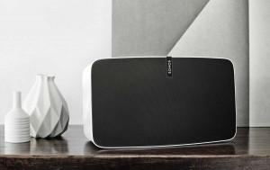 Le Sonos Play 5, compatible Trueplay.