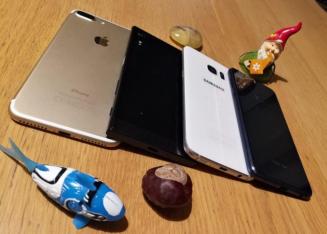 iPhone 7 Plus vs Xperia XZ vs Galaxy S7 Edge vs Honor 8.