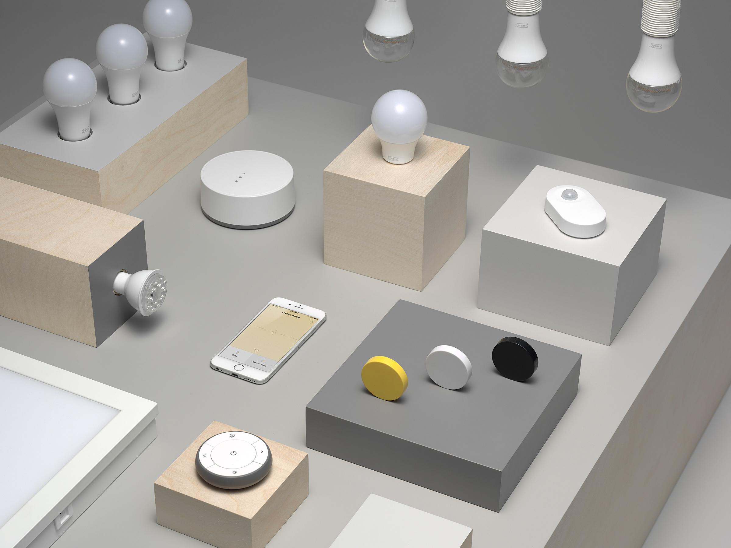 tendance ikea d mocratise la maison et les lampes connect es. Black Bedroom Furniture Sets. Home Design Ideas