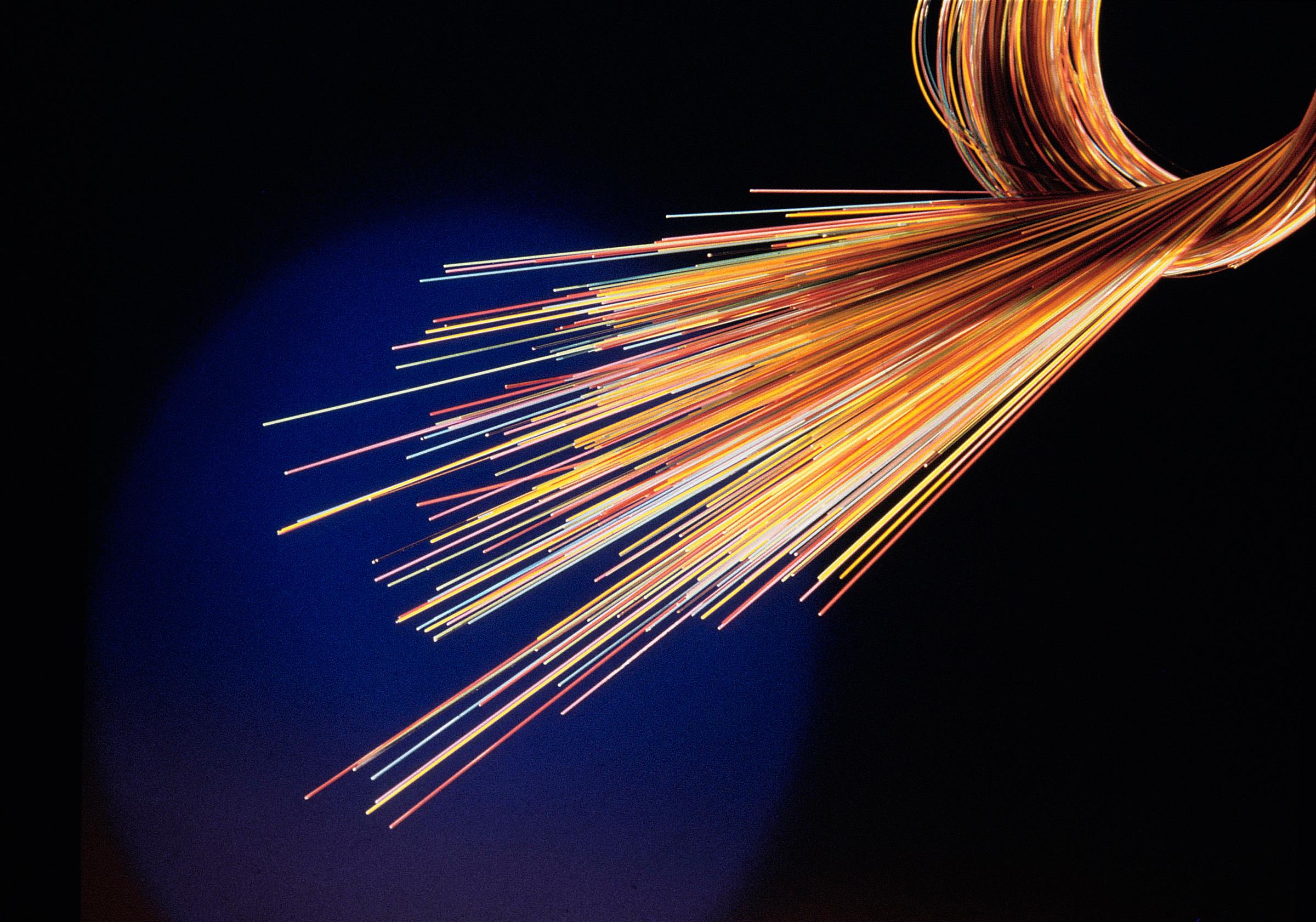 orange communique sur le 100 fibre au contraire de swisscom. Black Bedroom Furniture Sets. Home Design Ideas