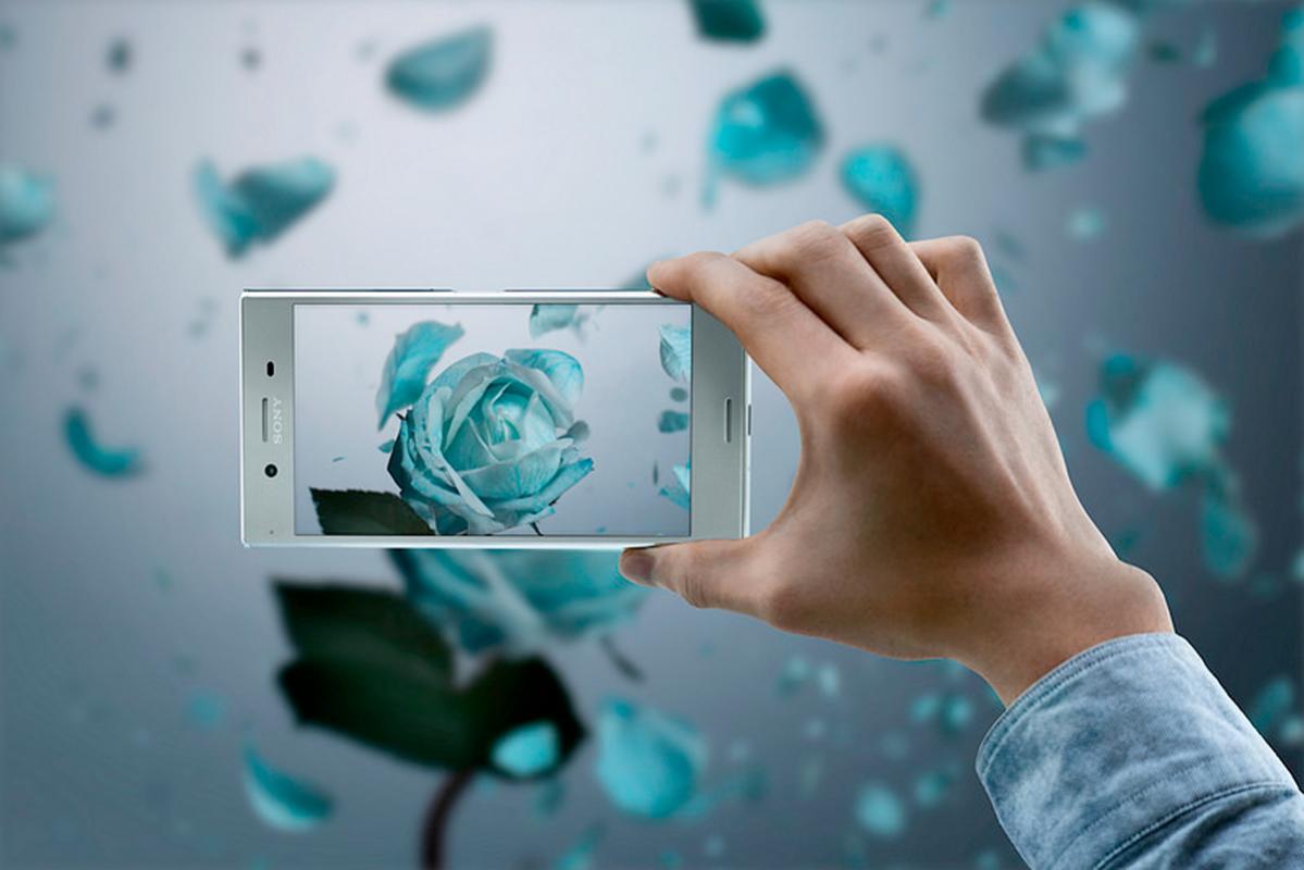 Le Sony Xperia XZ Premium qui arrivera d'ici début juin tutoie aussi le gigabit mobile.